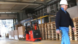 Automated forklift truck from Linde