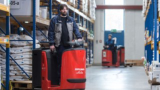 Order pickers with lithium-ion batteries from Linde