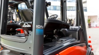 Linde Truck with Li-ION